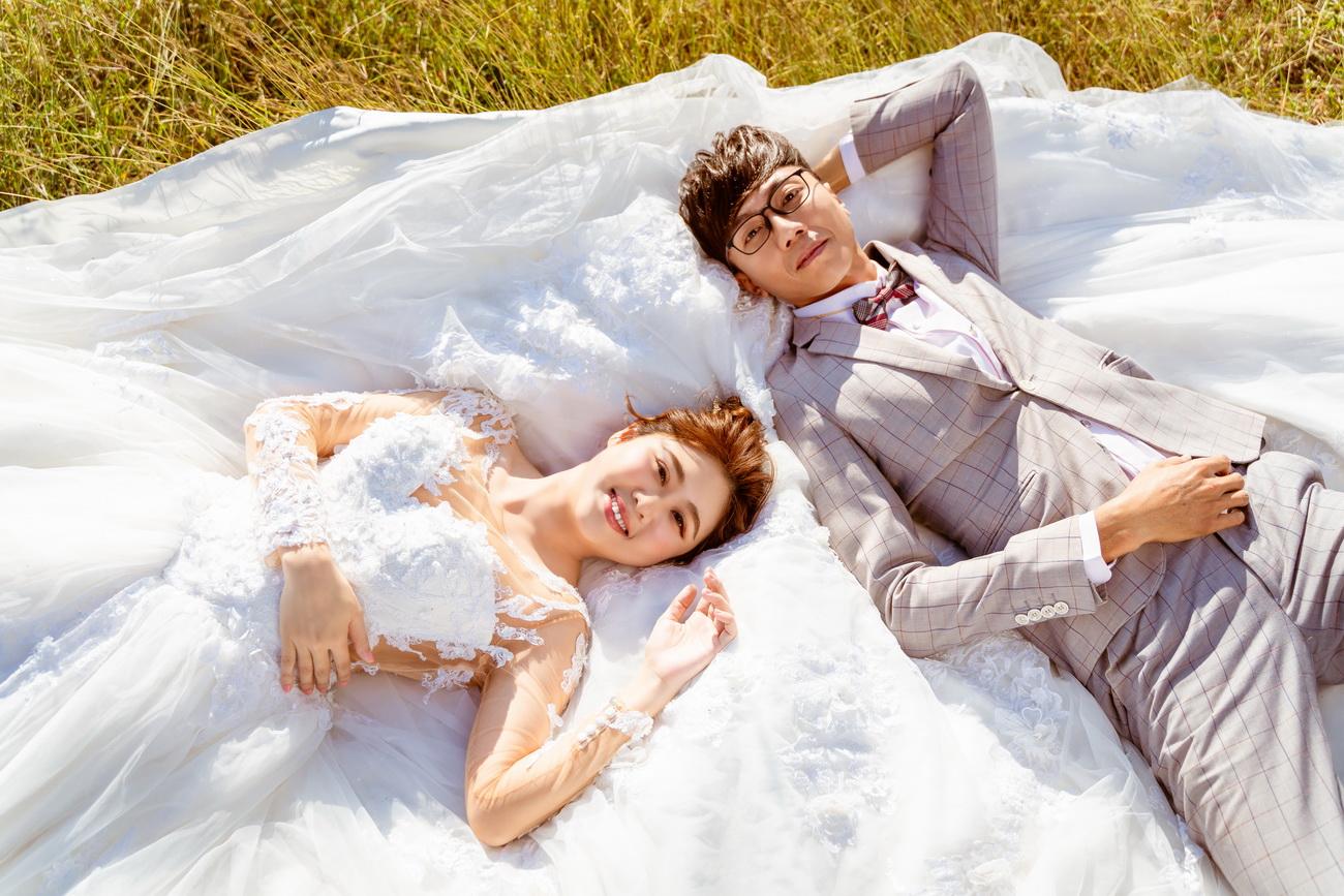 高雄法國台北婚紗|白紗 陽光 草地