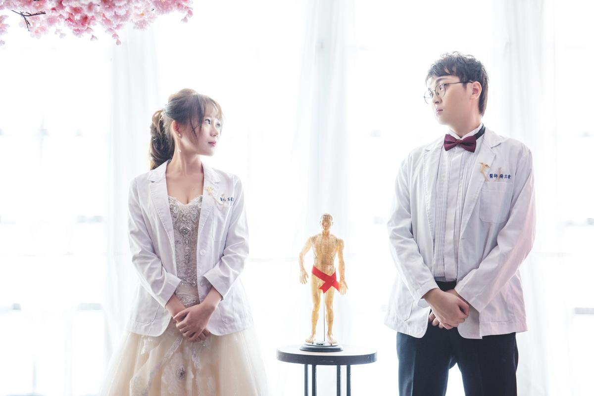 高雄法國台北婚紗|白袍 婚紗